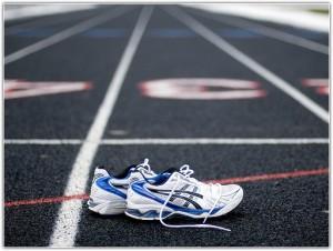 кроссовки на беговой дорожке