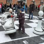 в шахматы играют даже дети